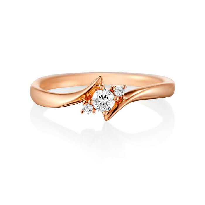 ピンクゴールドとダイヤモンドのリング