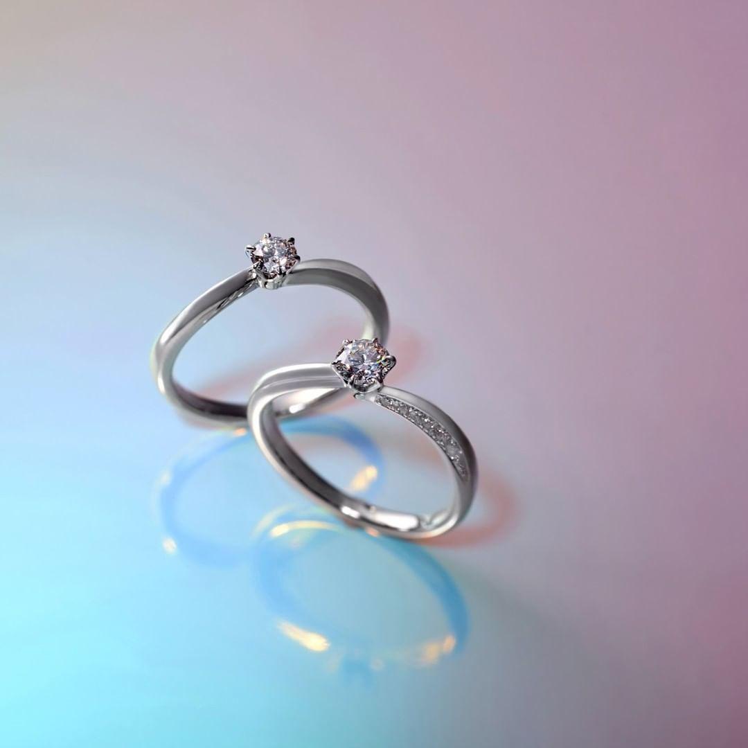 エレガントな4℃婚約指輪