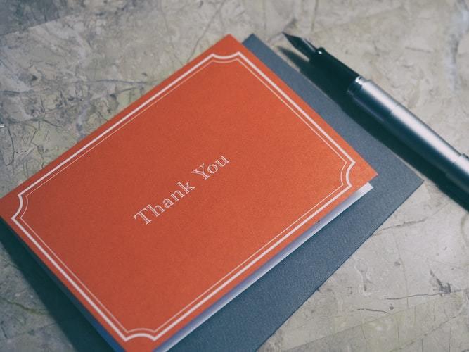 万年筆とメッセージカード