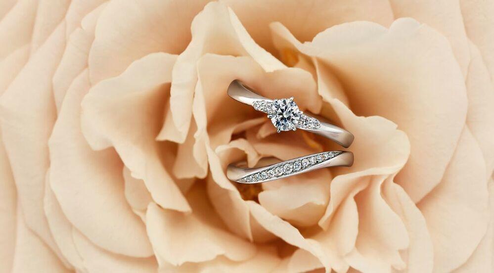 4℃のダイヤモンドの婚約指輪と結婚指輪