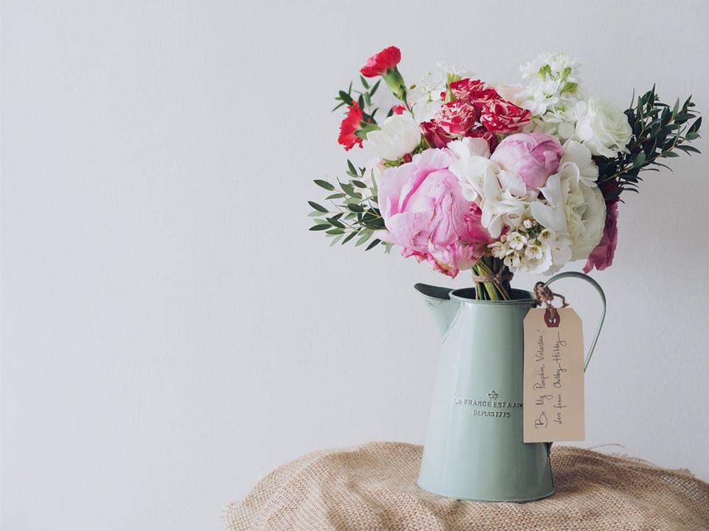 花瓶に入ったブーケ