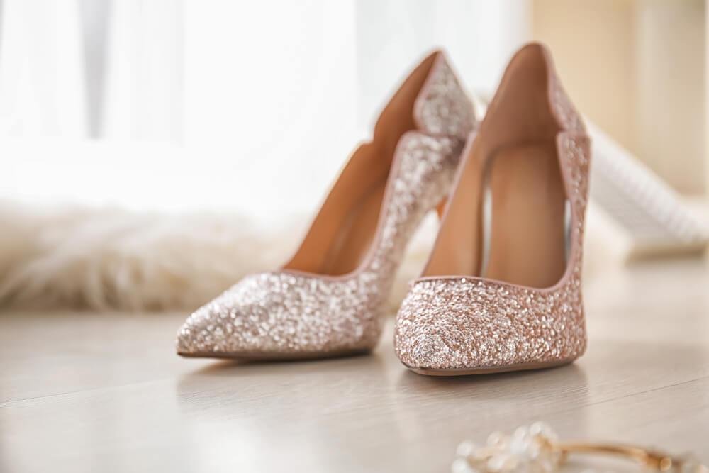 結婚式に履くグリッターの靴