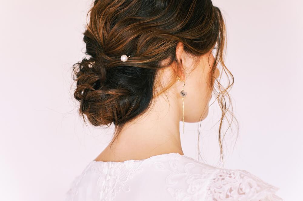 結婚式にふさわしい上品なヘアスタイル