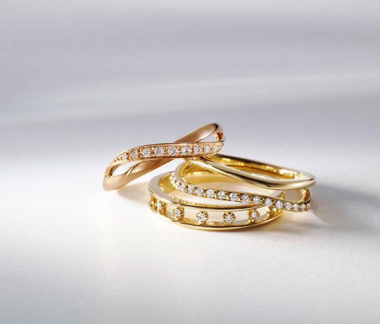 4℃のイエローゴールドのダイヤモンドの指輪