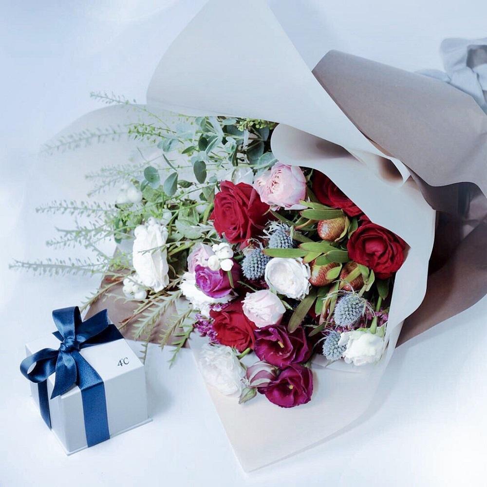 4℃ギフトボックスと花束