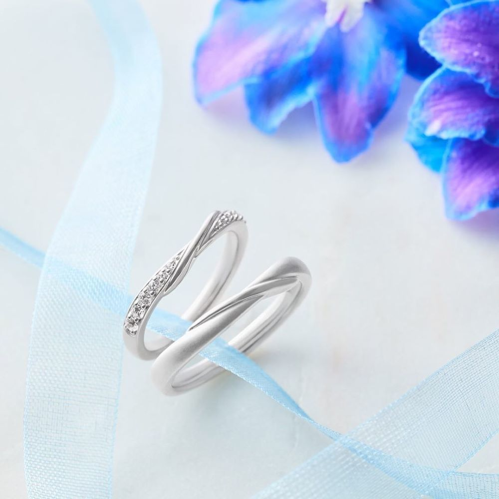 4℃のブルーダイヤモンドペアリング