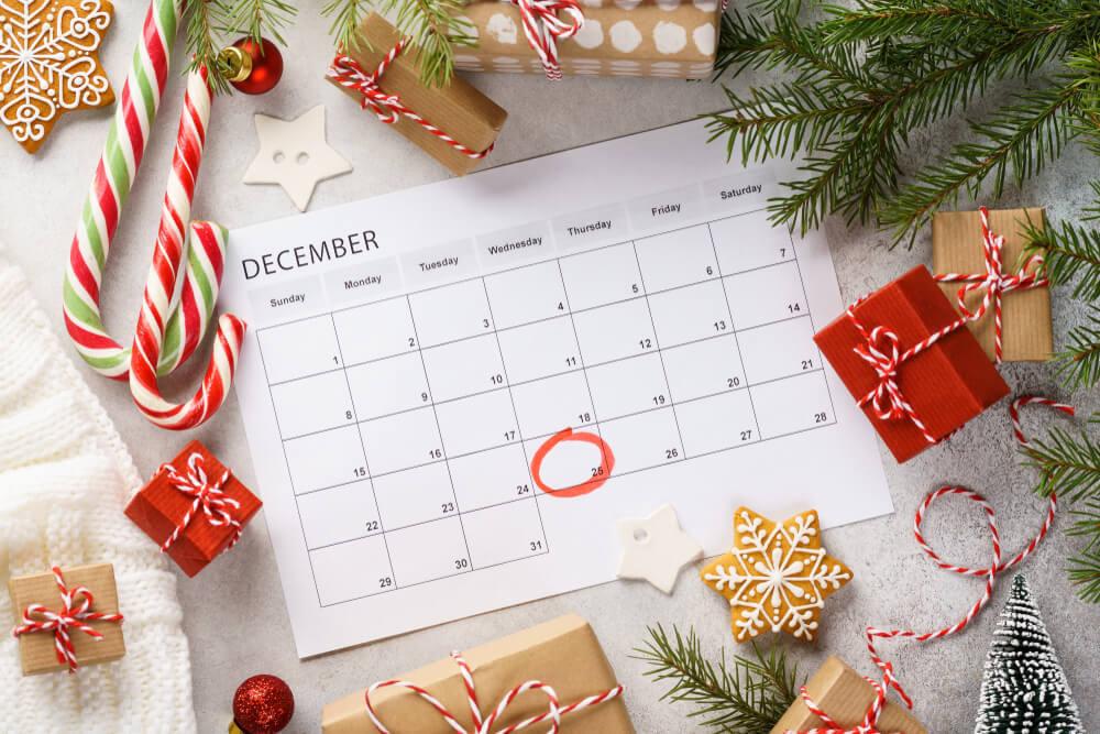クリスマスの飾りとカレンダー