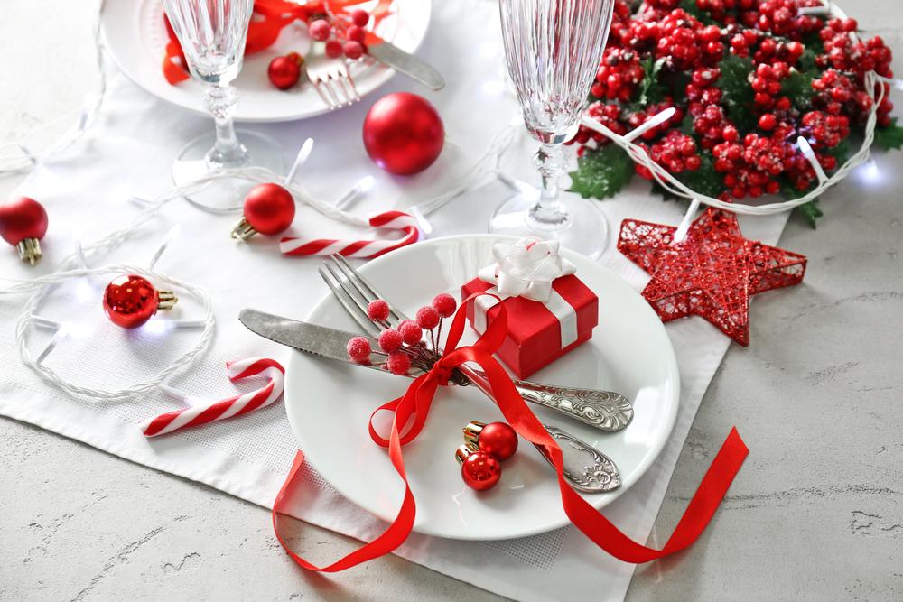 クリスマス仕様に飾られた食卓