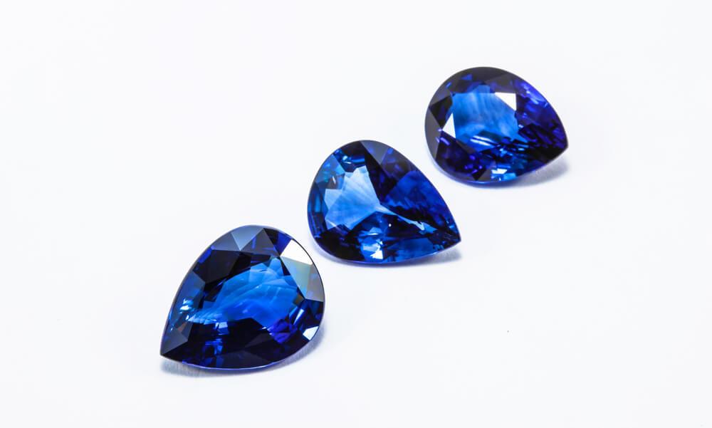 青いサファイア